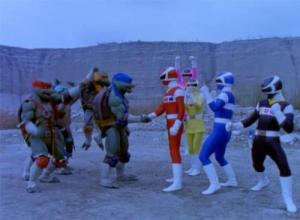 Así es, hubo un Cross-Over con las Tortugas Ninja
