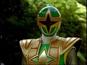 El Power Ranger Verde y su manía de usar ropa pesada como en Dragon Ball