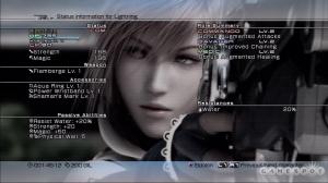 Un screenshot de los personajes aparecen al fondo del menú principal para que recuerdes de quien es la información que estás viendo.